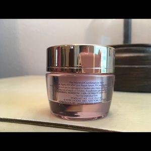 Estee Lauder Makeup - Estée Lauder Resilience Lift Cream